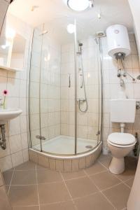 Dusche im 2 Bett Zimmer